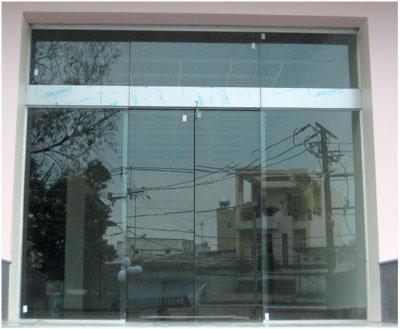 Lắp đặt cửa kính cường lực chất lượng tại hà nội